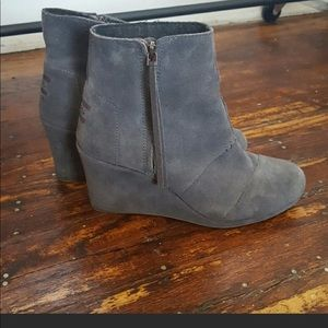 Toms gray suede booties. Size 9. Decent condition.